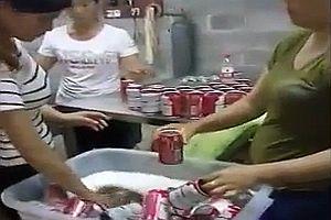 Chinesisches Recycling von Bierdosen