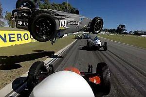 Heftiger Unfall bei der Formula Vee