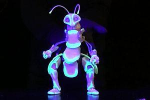 Käfer als Handpuppe