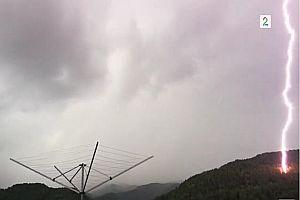 Blitzeinschlag auf der Terrasse