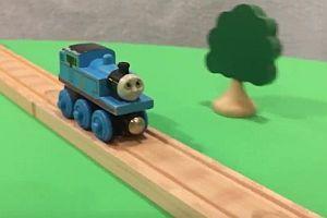 Stunts mit Thomas, die kleine Lokomotive