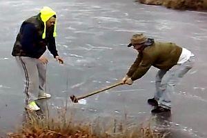 Hammerspiel auf einem gefrorenen See
