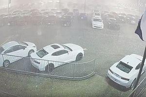 Hagelsturm zerstört Neuwagen