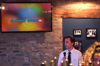 Minimaler Einsatz in einer Karaoke-Bar