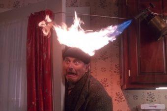Brennende Mütze statt Kaminfeuer