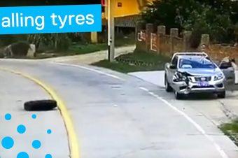 Auto zerstört durch zwei LKW-Reifen