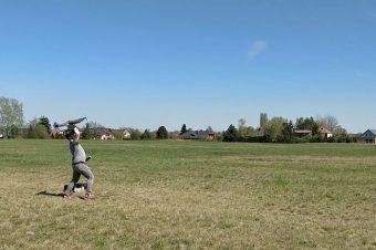 5 Sekunden mit einem Modellflugzeug