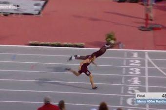 Hürdenläufer springt zum Sieg