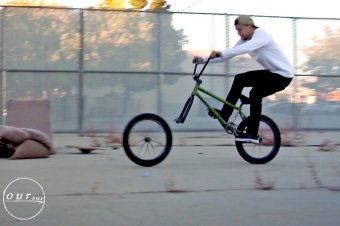 Kreativer BMX-Fahrer