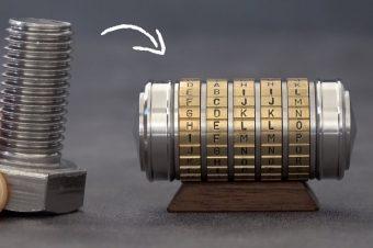 Schrauben werden zu Mini-Safe